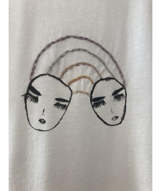 rainbow sisters t'shirt M